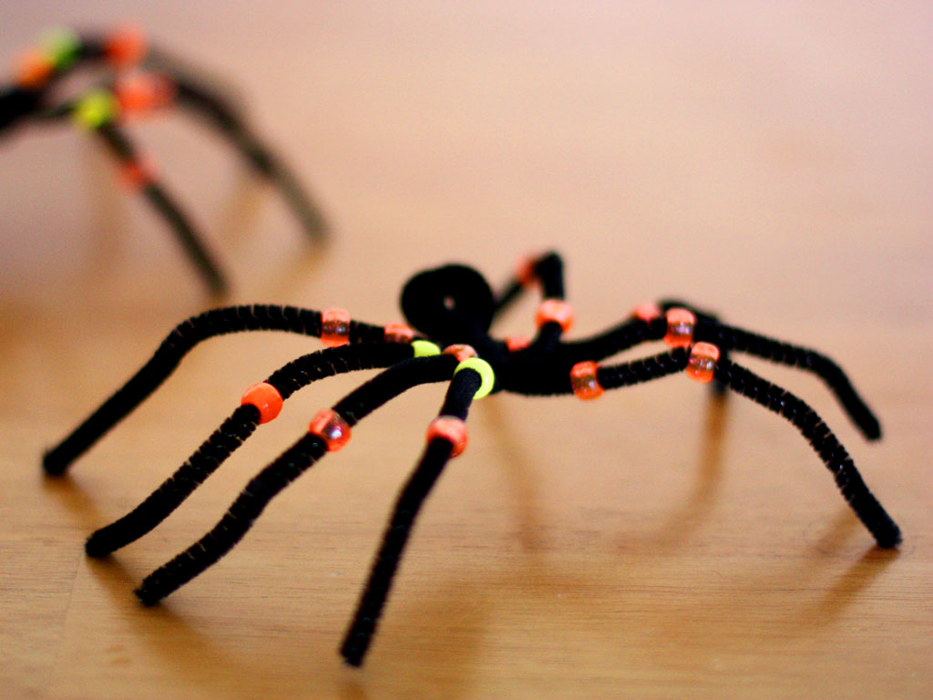 spider craft ideas creepy crawly pipe cleaner spiders 2982
