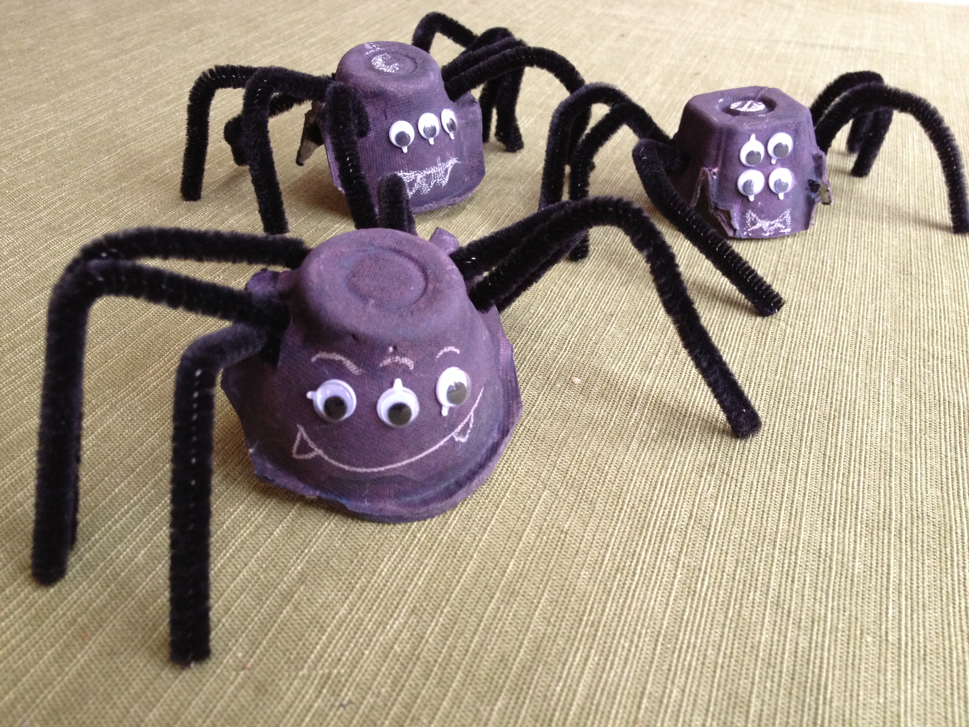 spider craft ideas egg spiders 2982